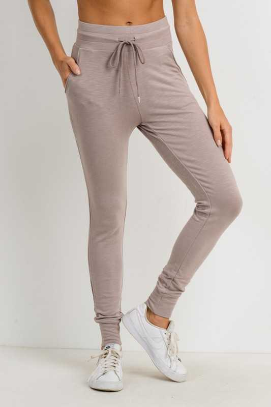 Highwaist Slim Fit Cuffed Joggers