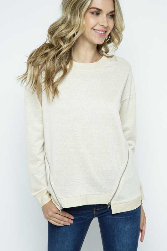 KNIT LONG SLEEVE TOP WITH ZIPPER ACCENT