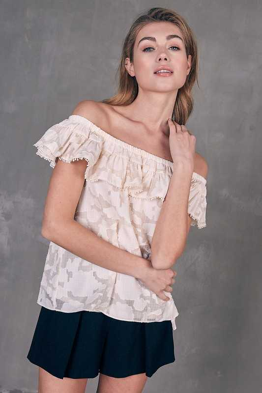 COLD SHOULDER RUFFLE DETAIL TOP