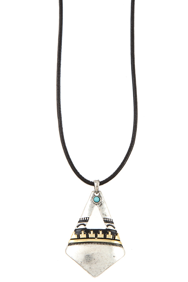 TRIBAL DIAMOND SHAPE PENDANT FAUX LEATHER CORD NECKLACE