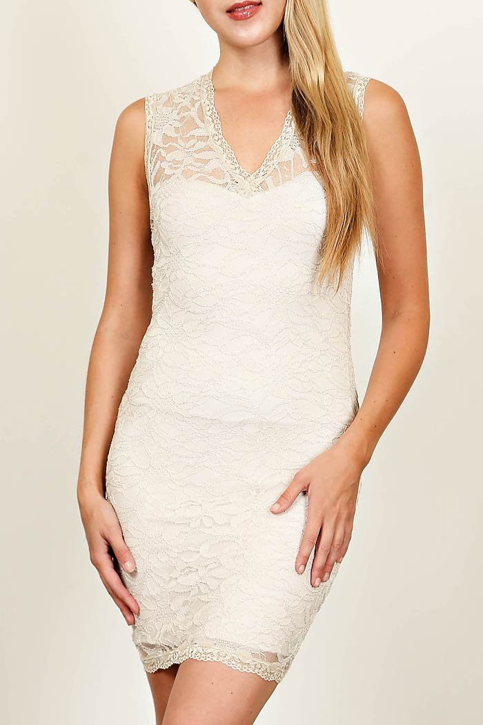 SCALLOPED EDGE LACE BODYCON DRESS