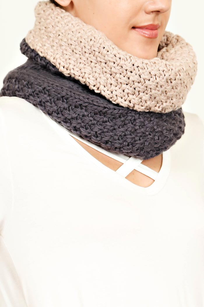 CHORD KNIT REVERSIBLE INFINITY SCARF