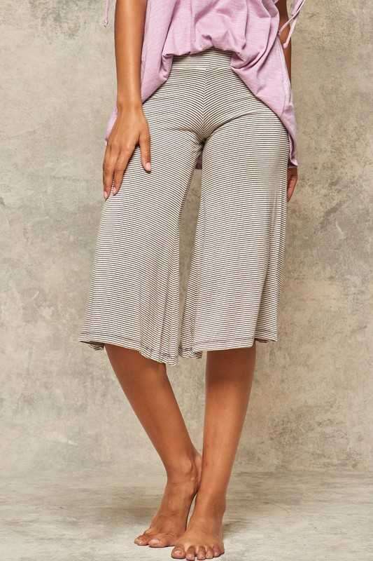 Pinstripe Stretch Jersey Wide-Leg Capri Yoga Pants