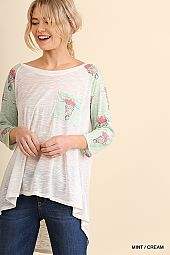 FLORAL BULL PRINT POCKET TRIM TOP