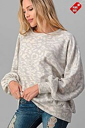 ANIMAL PUFF SLEEVE BANDED HEM TOP PLUS