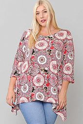 MEDALLION PRINT SCOOP NECK TOP