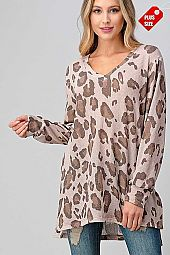 ANIMAL PRINT  V-NECK SLIT SIDES TOP PLUS