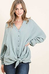 TEXTURED VINTAGE TOP WITH FUNCTIONAL BUTTON