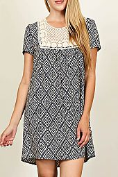 DIAMOND PATTERN CROCHET TRIMMED SHORT SLEEVE DRESS