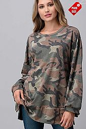 CAMO WIDE SLEEVE SLIT BAND TOP PLUS