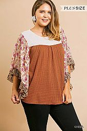 PLUS FLORAL MIX PRINT SLEEVE WAFFLE KNIT TOP
