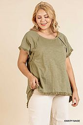 SOLID HIGH LOW FRAYED SCOOP HEM ROUND NECK TOP