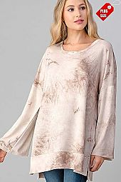 TIE DYE SLIT SIDES WIDE SLEEVE TOP PLUS