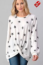 STAR PRINT TWIST HEM RELAXED FIT TOP PLUS