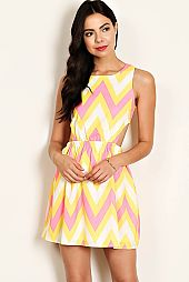 CHEVRON PRINT LACE-UP DRESS